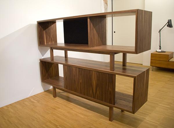 gestaltestelle sideboard in amerikan nussbaum furniert. Black Bedroom Furniture Sets. Home Design Ideas